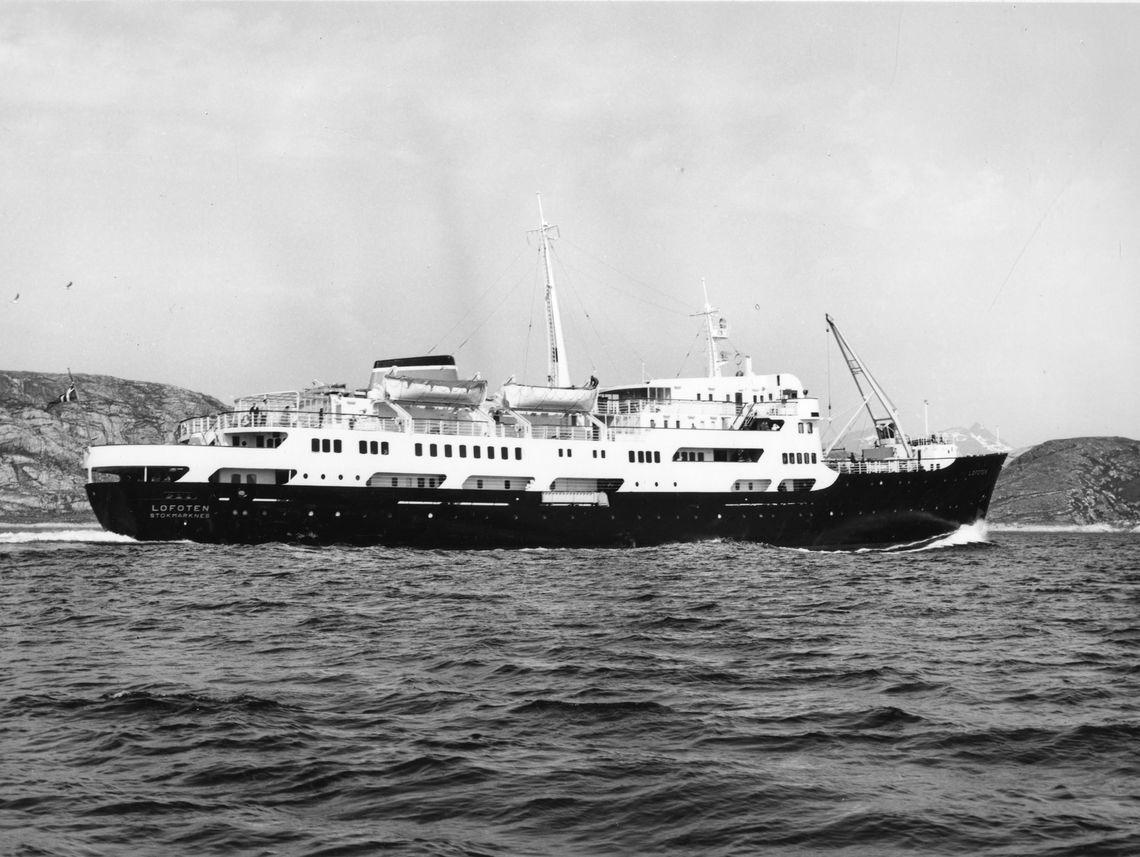 MS Lofoten, la nave che viaggia nel tempo